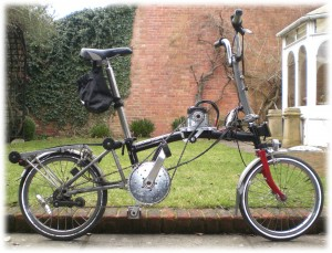 Sumo Brompton can hit 30mph! Power through the gears gives good hill-climbing & top speed