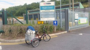 Mojo-powered tricycle hauls  heavy loads up hill
